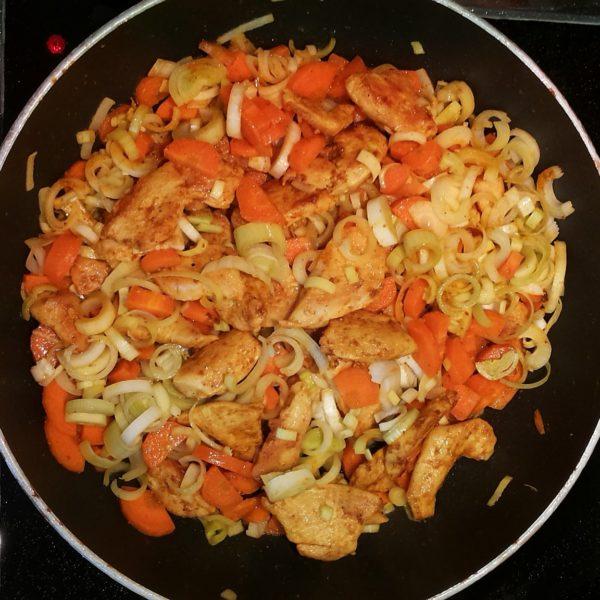 Curry- Huehnchen- Pfanne mit Gemuese