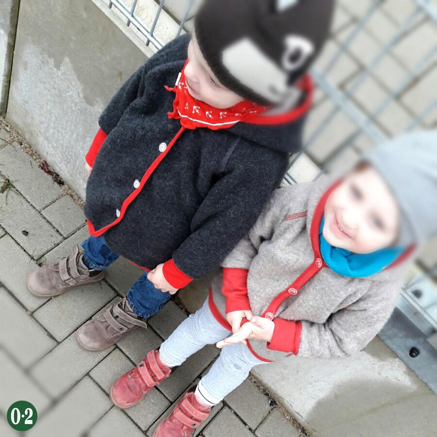 2 Geschwister mit kurzem Altersabstand