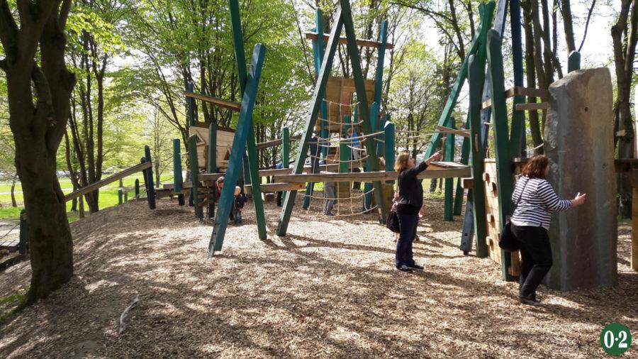 Klettergerüst im Kurpark Körbecke