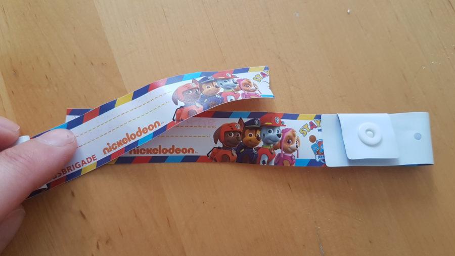 Sicherheitsarmbänder für die Kids am Paal 28 auf Texel